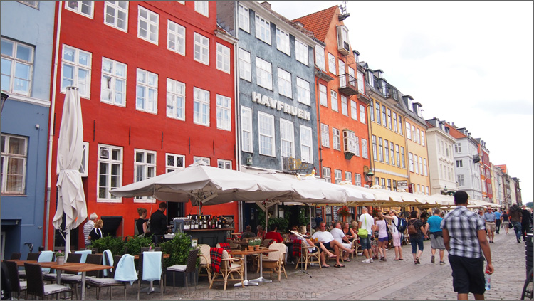 Countless cafes in Nyhavn