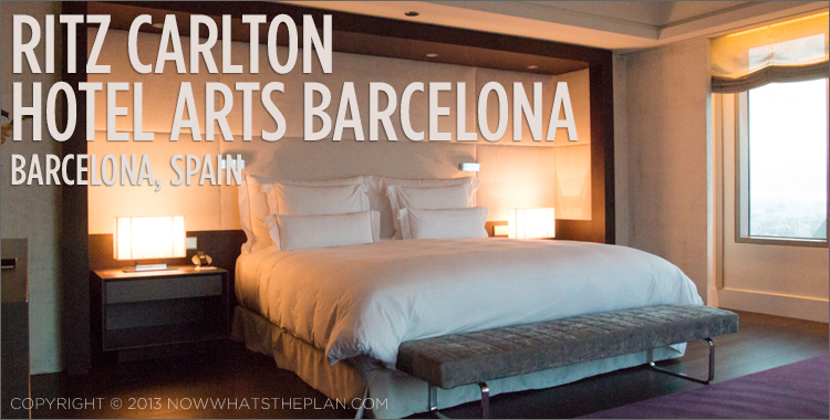 Modern and elegant bedroom in Hotel Arts Barcelona