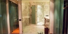 Hotel Arts Barcelona: Royal Suite's marble bath