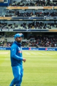 Rain has stopped, game back on, Virat is ready